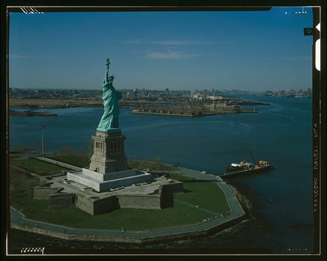 describe statue of liberty essay American symbols: the flag, the statue of liberty, and the great seal by tim bailey.